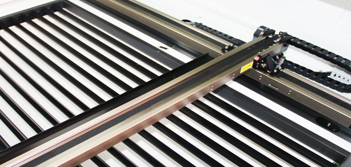 Independent guide rail structure motion system