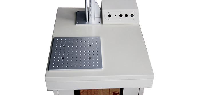 Large operating worktable, easy for larger materterial marking