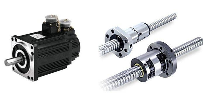 Double lead screws and double motors transmission