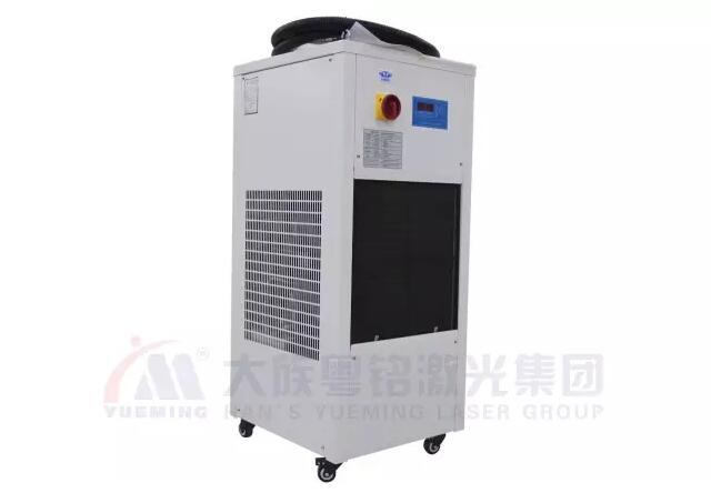 The maintenance of water chiller
